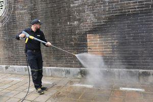 Di tích Ngọ Môn (Huế) được xử lý bằng công nghệ hiện đại: Làm sạch chứ không làm mới