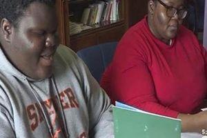 Cậu bé vô gia cư, con của mẹ đơn thân đỗ 17 trường đại học ở Mỹ