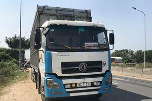 Bị xe tải kéo lê 10 m trên QL1, tử vong tại chỗ