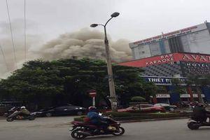 Cháy lớn ở khách sạn trung tâm TP.Vinh