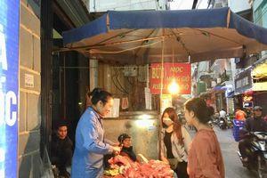 Giá thịt lợn tại chợ truyền thống giảm, siêu thị giữ ổn định