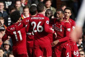 Liverpool chiếm ngôi đầu, Chelsea lỡ cơ hội vượt Man Utd