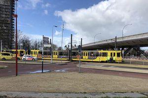 Xả súng trên tàu điện ở Hà Lan, nhiều người bị thương