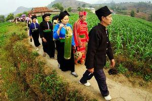 Lên Mộc Châu khám phá 2 Lễ hội đặc sắc của người Thái Sơn La