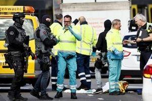 Nổ súng tại Hà Lan khiến nhiều người thương vong, chưa bắt được thủ phạm