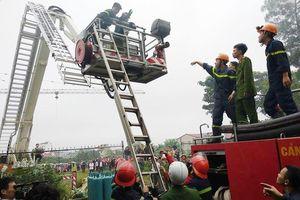 Cháy khách sạn ở Nghệ An: Một nhân viên nguy kịch vì ngạt khói