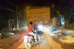 Điều tra, xử lý xe quá tải 'tung hoành' tại Ba Vì