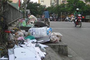 Nạn xả rác bừa bãi: Làm sao dẹp bỏ?: Chìa khóa vạn năng: Giáo dục và pháp luật
