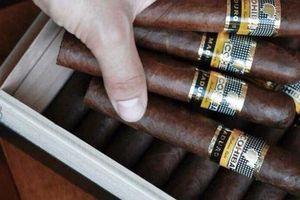Hơn 1.000 điếu xì gà nhập lậu qua sân bay Nội Bài