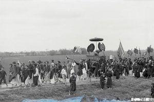 Loạt ảnh để đời về lễ hội Phủ Giày một thế kỷ trước