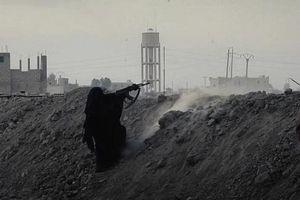 IS ở Syria phá luật, huy động phụ nữ và trẻ em trong cuộc phản công cuối cùng