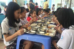 Hiệu trưởng chịu trách nhiệm toàn diện về an toàn thực phẩm trong nhà trường