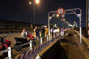 Sau tai nạn chết người trên đường dẫn cao tốc, 'bứng' dải phân cách tử thần