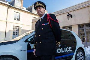 Việc sa thải cảnh sát trưởng Paris báo hiệu điều gì?