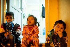 Người dân Bắc Ninh lại bồng con xếp hàng từ 3h sáng chờ xét nghiệm sán lợn