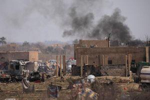 Lực lượng Dân chủ Syria chiếm trại Baghouz, IS lũ lượt ra hàng