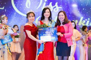 Cô giáo mầm non tài năng, duyên dáng đoạt danh hiệu Miss Goldenkids 2019