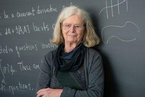 Karen Uhlenbeck: Phụ nữ đầu tiên nhận giải thưởng Abel toán học