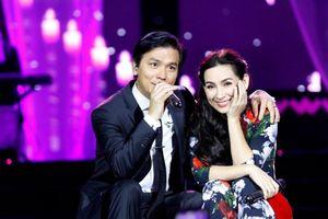 Vì sao Phi Nhung và Mạnh Quỳnh mãi chỉ là 'người tình' trên sân khấu?