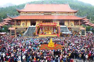 Quảng Ninh xác minh thông tin chùa Ba Vàng truyền bá chuyện vong báo oán, thu tiền tỷ