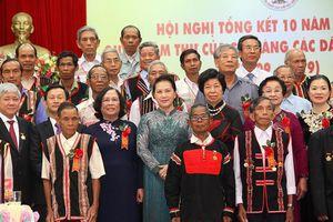 Biểu dương kịp thời những đóng góp của các già làng có uy tín