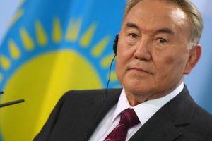 TT Kazakhstan bất ngờ từ chức
