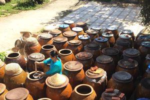 Nước mắm hay nước chấm: Làm sao để bảo tồn truyền thống Việt?