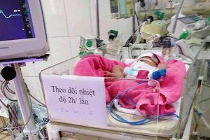 Bác sỹ 11 ngày vật lộn cứu sống bệnh nhi gặp khó khi sinh
