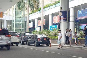 'Cuộc chiến' xe dù hoành hành sân bay Đà Nẵng