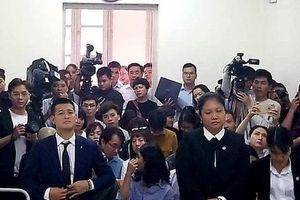 Vụ kiện tác quyền vở 'Ngày xưa': Tuần Châu Hà Nội phải trả 10% tiền bán vé cho đạo diễn Việt Tú