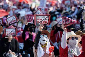 Hàn Quốc: 1.600 người bị quay lén trong khách sạn và livestream trên mạng