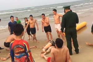 Quảng Bình: Kịp thời cứu sống hai du khách bị đuối nước