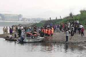 8 học sinh đuối nước tử vong thương tâm khi tắm sông ở Hòa Bình
