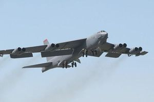 S-400 phủ kín Kaliningrad, B-52 chớ có manh động kẻo tan tành