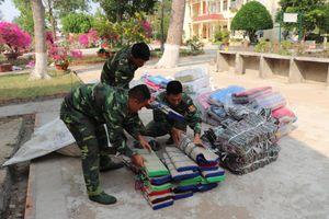 Bắt 2 vụ buôn lậu hàng hóa trị giá gần 100 triệu đồng