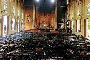 'Bà hỏa' thiêu rụi toàn bộ nội thất nhà thờ Thọ Vực