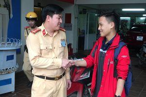 Hà Nội: Nam thanh niên bất ngờ nhận được xe máy sau gần 1 năm mất trộm
