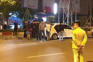 Hà Nội: Sau va chạm tài xế ô tô dùng dao đâm nạn nhân bị thương nặng