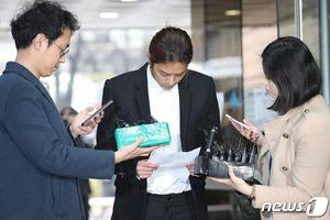 Jung Joon Young đọc lời xin lỗi công khai các nạn nhân, chấp nhận mọi cáo buộc