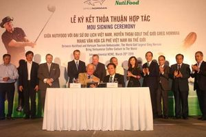 Nutifood hợp tác cùng Greg Norman mang cà phê Việt ra thế giới