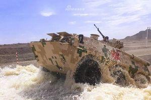 Thiết giáp Trung Quốc chế tạo bị phá hủy bởi phiến quân châu Phi