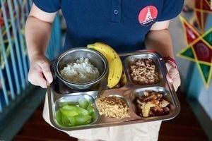 Một số trường tại Sài Gòn không dùng thịt heo trong bữa ăn của trẻ