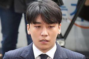 Bạn thân bị bắt giam, Seungri thừa nhận cáo buộc này