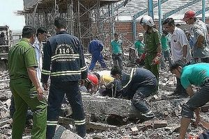 Khởi tố vụ án sập tường làm 6 người tử vong ở Vĩnh Long