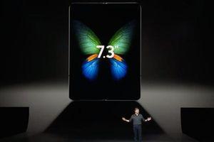 Điện thoại màn hình gập của Samsung sẽ bị nhăn nếu gập nhiều?