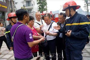 Giải cứu 5 du khách Trung Quốc trong vụ cháy khách sạn tại Hạ Long