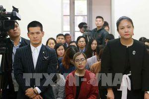 Diễn biến mới trong vụ kiện giữa Tuần Châu và đạo diễn Việt Tú