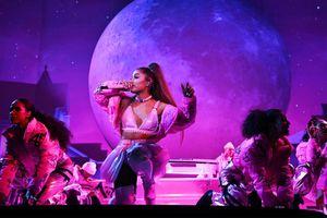 Danh sách 'khách hàng thân thiết' diện đồ NTK Việt tại concert: Ariana Grande, Katy Perry, Nicki Minaj và…