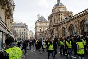 Cảnh sát Pháp cấm biểu tình 'Áo vàng' tại Đại lộ Champs-Elysees