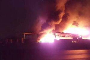 Xe giường nằm cháy rụi trên quốc lộ 1A khi hành khách đang say ngủ